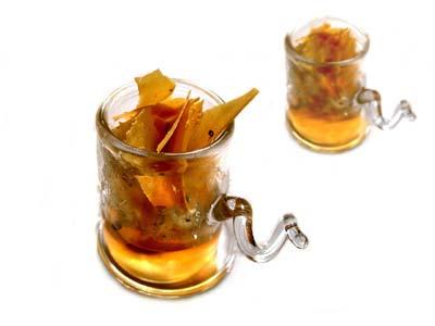 Baccalà mantecato con gelatina affumicata, caviale asetra e tegole di patate (20