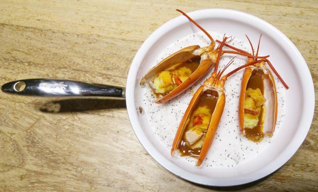 Parmentier de Bogavante con salsa Nantua