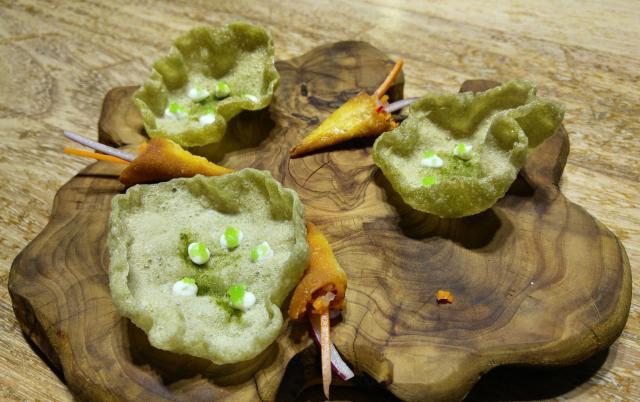 Galletas saladas de Algas y Caviar / Crudités