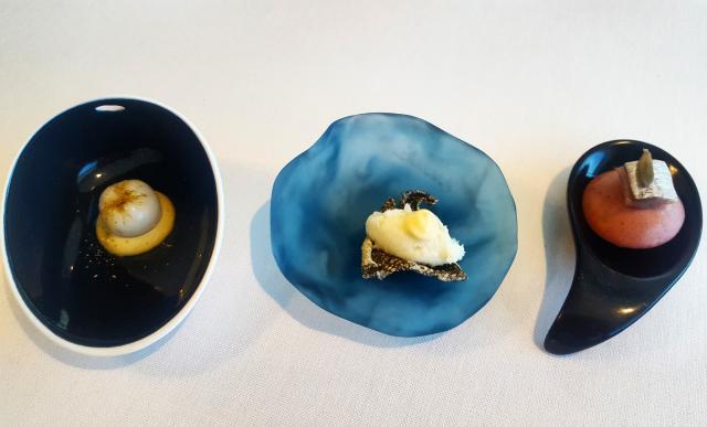 Bombón de dashi valenciano; bacalao piel y alioli casero; queso fresco de chufa