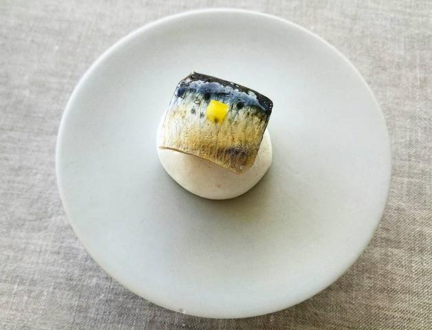 Merengue seco y sardina