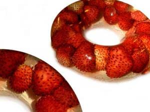 Aspic à la gélatine de muscat et petites fraises des bois (1994)