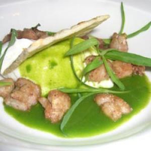 Ensalada de alcachofas con mollejas de ternera a las hierbas aromaticas
