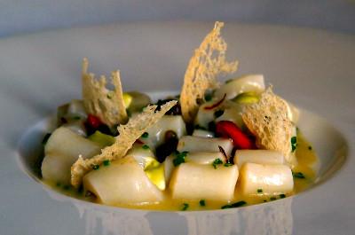 Callos de Bacalao al Pil Pil de Aceitunas, Interiores de Tomate Ibérico y Matice