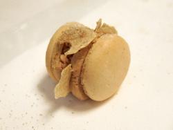 Macarrón dulce salado de foie gras y tartufo bianco