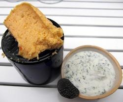 Yogur de eneldo y mantequilla de escaramujo
