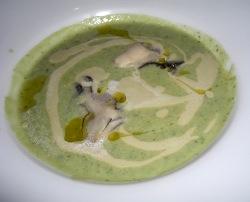 Minestrone di verdure al pesto con ostrica e salsa di ostrica