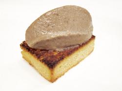 Paté de hígados de pichón y pato con crema de trufa blanca y brioche